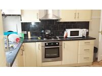Nice 1 & 2 bed flats available now