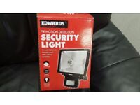 Outdoor Bright 500W PIR Security Light ** Unused Boxed **