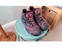 Mens Walking Boots Size 11