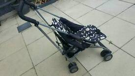 stroller with rain caver