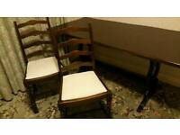 Dining Table & 6 Chairs - Beautiful Condition