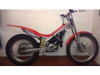 Beta rev80cc kids trials bike. Suit 8-14yrs