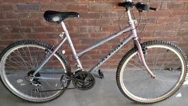 Women's Raleigh Bike with Helmet and Lock in Really good condition