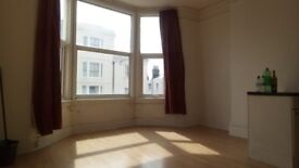 Spacious 1 bedroom flat, Western Road (close to Waitrose) 800 pcm