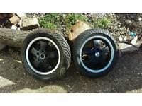 Vespa gts wheels