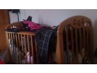 Baby cot&beds, matress etc -move abroad- clear up everything