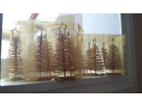 12 cute gold coloured Christmas tree placeholders - new
