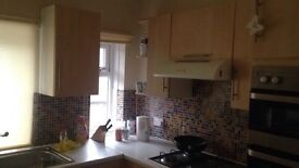 Room for rent in Epsom , 2 mins from station, town centre and shops