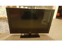 LG 32'' lcd tv mint condition PRICE DROP