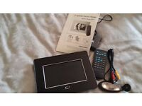 Brand new digital photo frame with all accessories and instructions