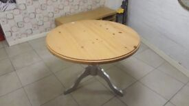 Pine Round Pedestal Dining Table