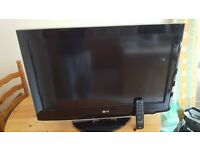 "32""LG HD TV WITH FREEVIEW"
