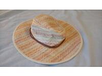 "Women's ""Maldives"" Sun Hat, by Outdoor Research, VGC, wide brim, summer hat"