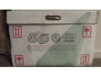 ***GENUINE VW LEFT SIDE FIXED 1/4 LIGHT GLASS (GREEN) BRAND NEW AND IN ORIGINAL PACKAGING***