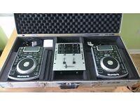 Pair of Numark NDX400 + NumarkM101 Mixer & Fight Case