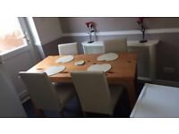 Dining table & 4 Chairs For Sale