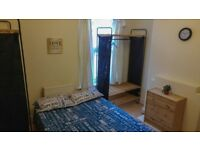 Perfect Double Room available now ! LEWISHAM !110 p/w ! all bills included