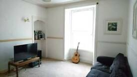 2 Individual double rooms or entire flat for rent in West End flat