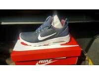 Air max motion racer size 8.5