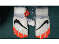 Nike Gunn Pro Goalkeeper Gloves Size 10.5