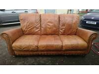 3 + 2 BROWN/TAN DISTRESSED LOOK CHESTERFIELD STYLE SUITE
