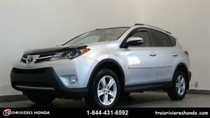 2014 Toyota RAV4 XLE 4WD mags toit ouvrant