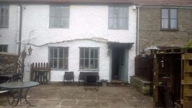 Double Room in Beautiful Riverside Cottage