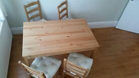 Dining Table & Chairs with Cushions