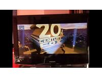 """Samsung 32"""" LCD TV in excellent working order"""