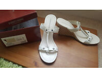Roberto Vianni white leather sandals