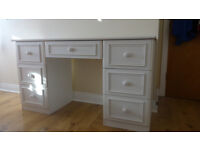Practical white desk with big drawers
