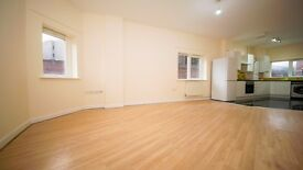 **LARGE 3 BED FLAT** SPACIOUS! FURNISHED/UNFURNISHED! STOKE NEWINGTON, HACKNEY, N16!!