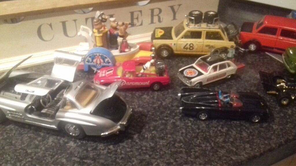bundle of die cast carsin Walton on Thames, SurreyGumtree - Bundle of die cast cars no boxes selling for a friend. One is franklin mint also paramount camera cars