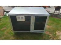 Brand new metal dog cabin rrp £750