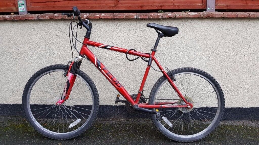 Apollo Feud Mens Mountain Bike (2nd hand) + lock + lights