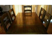 Solid Oak Dining Table With 2 Extensions & 6 Chairs