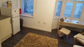 A Superb Private Studio Flat on London Road, Fully Furnished