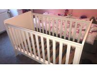 Mamas and papas cot bed / toddler cot bed