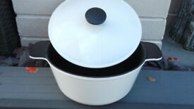 cast iron stock pot / casserole - oven or hob - cream