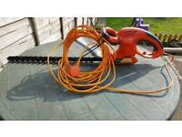 Flymo hedge trimmer flymo HT 450 electric hedge trimmer in excellent condition can deliver