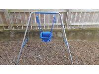 2 in 1 swing from 12 monts to 8 year old excellent condition only 2 months old