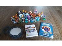 Skylanders Giants Wii Game and Character Bundle in very good condition
