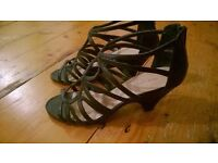 New Look black sandals size 5