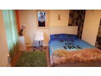 ***** Nice Double Room to Rent in Park Street *****