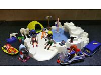 Playmobil Expedition Base Camp with Dinosaur Excavation plus Extra Explorer