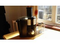 ***QUALITY JUICER - VERY GOOD CONDITION - HARDLY USED***