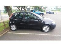 Black Fiat Punto (2006) 1.2