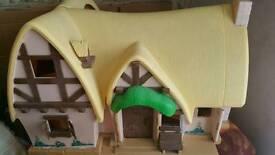 Snow white cottage dollshouse