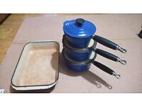 Le Cruset Saucepan Set & Baking Tray