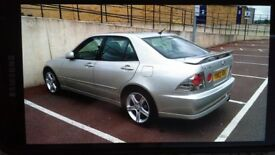Great looking silver lexus is200 automatic